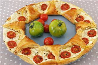 Tomato and goat's cheese crown pie – by Afternoon tea